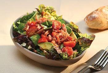 Recept voor Salade van avocado, kerstomaten en spekjes | Solo Open Kitchen