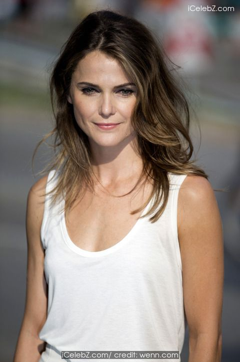 Keri Russell 'Dawn of the Planet of the Apes' photocall on the Oberbaum Bridge http://icelebz.com/events/_dawn_of_the_planet_of_the_apes_photocall_on_the_oberbaum_bridge/photo5.html