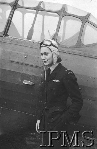 Jadwiga Piłsudska, later Piłsudska-Jaraczewska (1920-2014) Born as the younger daughter of the Marshal Józef Piłsudski, she began flying gliders and obtained a pilot's licence in 1937, at the age of 17. In 1939 she graduated from secondary school and decided to study aircraft engineering at the Warsaw Polytechnic. After the outbreak of the WWII, she fled with her family to Britain to resume her studies in 1940, matriculating at Newnham College, Cambridge University. She acquired her aircraft pil