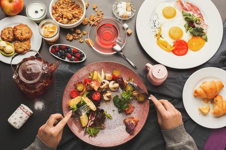 Έχουμε συνηθίσει να μας λένε τι να αφαιρέσουμε από την καθημερινή μας διατροφή για να αδυνατίσουμε. Μία νέα έρευνα από την Αυστραλία, όμως, μας φέρνει τα καλύτερα νέα, αφού όπως υποστηρίζει το μυστικό για να χάσουμε βάρος είναι να εμπλουτίσουμε το πρωινό μας. #αδυνάτισμα
