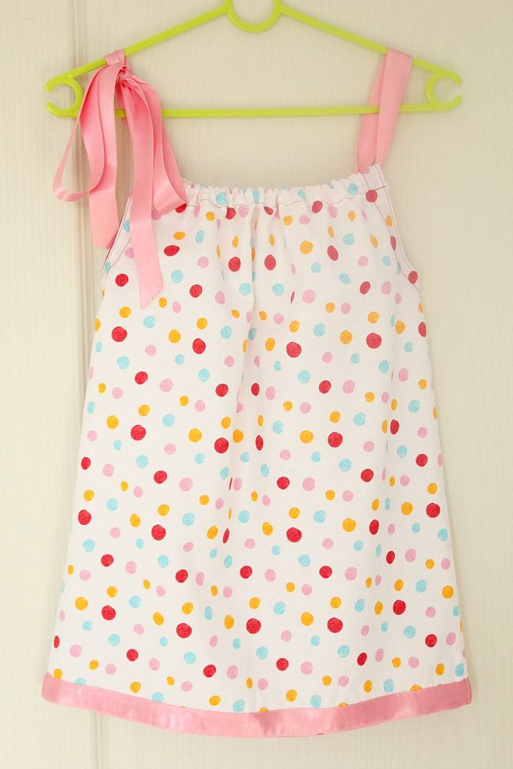 Love making clothes for your little girl? This pillowcase dress tutorial for beginners will teach you the easiest way to sew a pillowcase dress!
