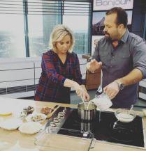 Carré de porc miel, moutardes et sauge   Chronique   Salut Bonjour   Émission TVA