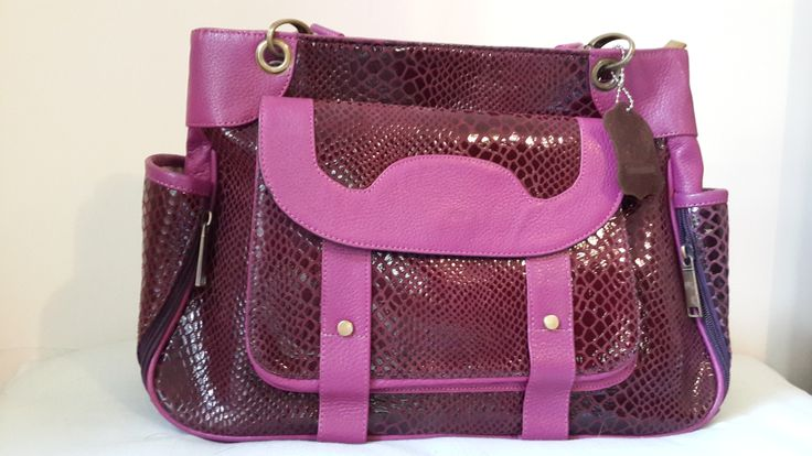 Soft Leather Handbags for every occasion. Wholesale buyers can contact us at partner@galzbestfriend.com