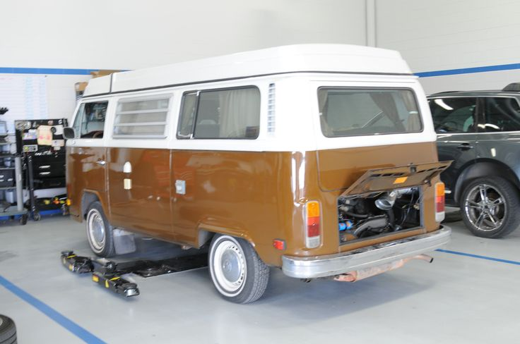 Look at the beautiful 1978 Volkswagen Bus that arrived today at our dealership for some service. Did you know the motor of this bus is in the trunk? Does anyone else own one of these cars? #StreetVolkswagen #Volkswagen #AmarilloTexas #VWBus
