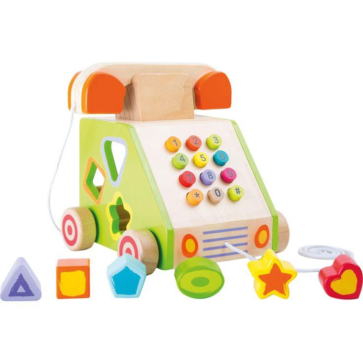 Acest telefon mobil realizat din lemn masiv însoțește copiii în diverse expediții pentru a alunga monotonia unui drum lung. Diferite cărămizi pot fi puse în formele corespunzătoare, iar numerele pot fi apăsate.