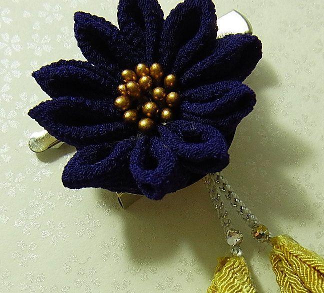 Tsumami Kanzashi flower brooch and hair clip  Kimono Japanese Chirimen - chrysanthemum (Navy) by chirimenbunny on Etsy