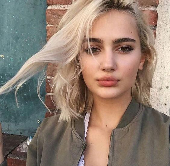 short hair style idea + wavy #hairstyles #beauty #makeup #shorthairstyles