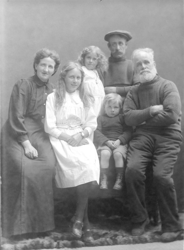 A black and white shot of the Grice fishermen family, from Sheringham, taken around the First World War by Olive Edis.