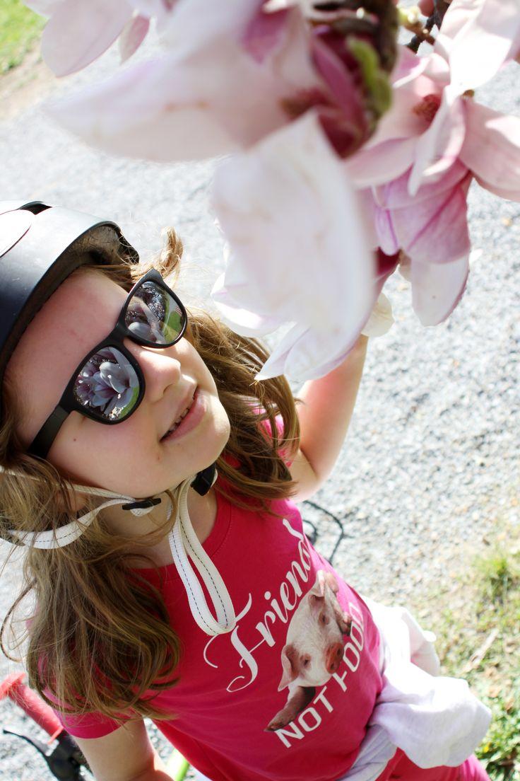 ECO / vegan / fair trade 100% organic cotton slim fit short sleeve girls t-shirt