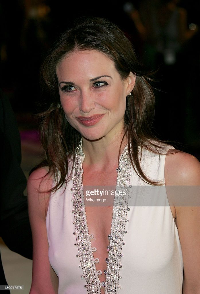 Claire Forlani during 2005 Vanity Fair Oscar Party - Arrivals at... News Photo | Getty Images