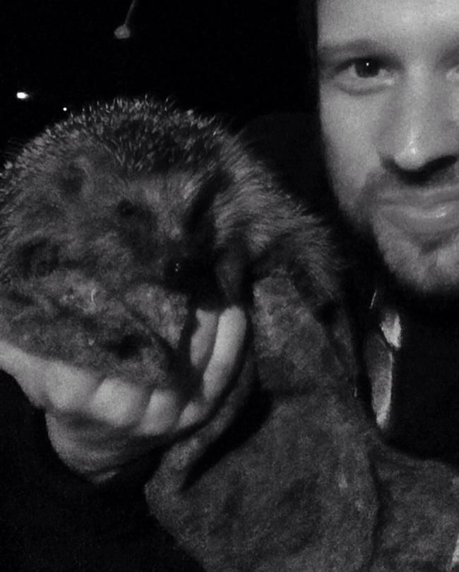 Tobias Sammet (Edguy & Avantasia) helping out a hedgehog.