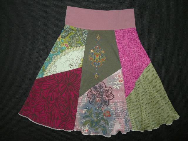 Upcycled t-shirt skirt http://pinterest.com/nfordzho/2013-fashion-t-shirts/