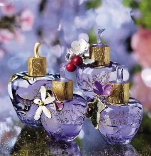 Lolita Lempicka for women - my favorite perfume for the fall season!
