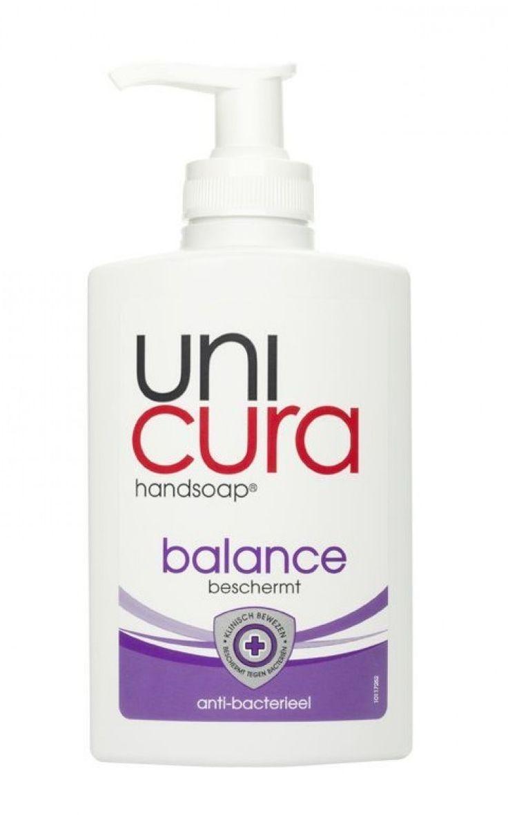 Unicura Pomp Handzeep - Balance 250 ml  Description: Unicura Pomp Handzeep - Balance 250 ml Je wast iedere dag je handen. En juist om die reden zorgt Unicura Handsoap Balance voor een effectieve en hyginische verzorging van je huid. Unicura Balance is ideaal voor dagelijks gebruik. In de keuken op het toilet of in de badkamer: we helpen je handen overal te beschermen. Daar kun je zeker van zijn. Unicura Handsoap Balance is verkrijgbaar in een pompje en een navul. - Anti-bacterieel - Reinigt…