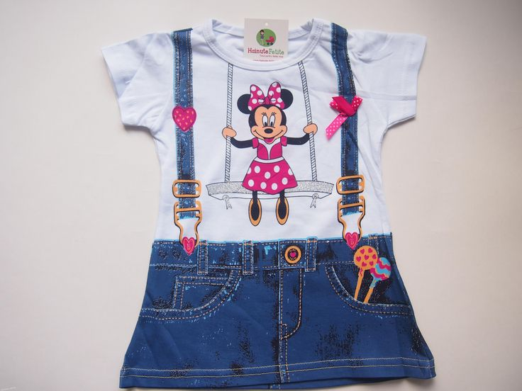 Ce spuneti de tricouri cu Minnie Mouse pentru fetita dumneavoastra? Este perfect pentru colanti scurti sau trei-sferturi. Suntem siguri ca ar fi incantata sa-l poarte! Tricou fetite 1-2 ani Pret: 25.00 lei http://hainute-fetite.ro/produs/tricou-lung-minnie-mouse/