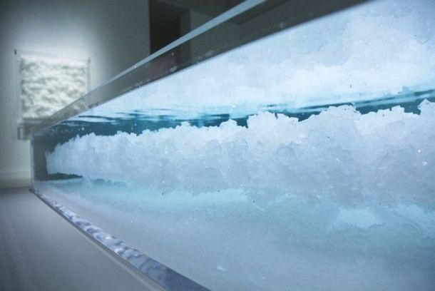 Tokujin Yoshioka gebruikte Tsjaikovski's Zwanenmeer om deze gekristalliseerde kunstwerken te maken. Kunst van muzikale vibraties
