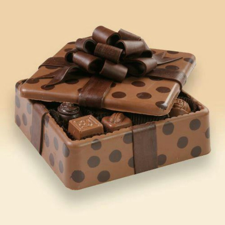 : Gifts Ideas, Chocolates Candy, Chocolates Delight, Chocolate Chocolate, Chocolates Boxes, Chocolates Brown, Cakes Yummy, Edible Boxes, Gifts Boxes