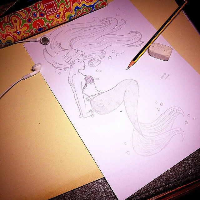 ¡Buenas noches!  #buenasnoches#goodnight#boanoite#draw#byme#little#mermaid#disney#princess#moment#inspiration#thinking#music#water#pencil#blackandwhite#b&w#night#home#nanadrawcollection