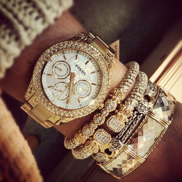 Fossil Watch, Alwand Vahan Bracelets, John Mederios Bracelet & Ronaldo Bracelet at GOLD CONNECTION