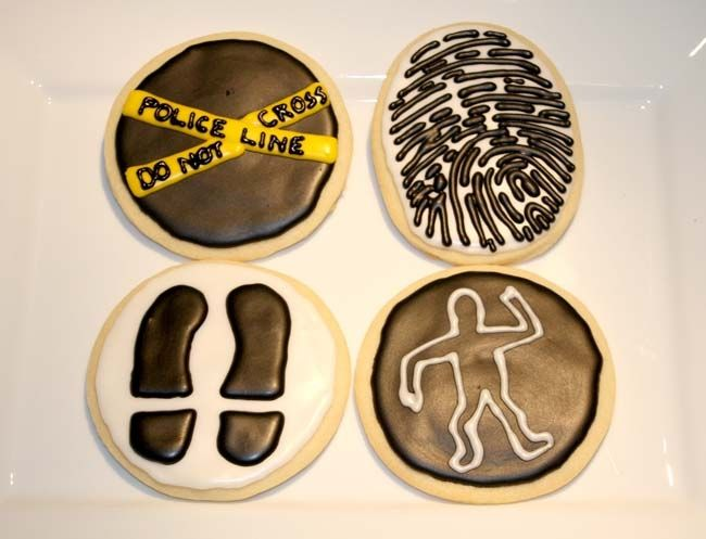 great tutorial on how to decorate cookies for a police / detective / secret agent party