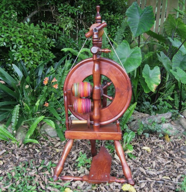 spinning wheel , i <3 it !!!. one day i'll have one :)