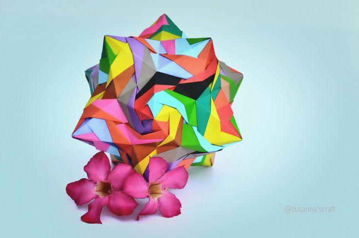 #kusudama #tomokofuse #origami #origami_art #zusannascraft #zusannasphotography #myfolding #madewithlove #papercraft