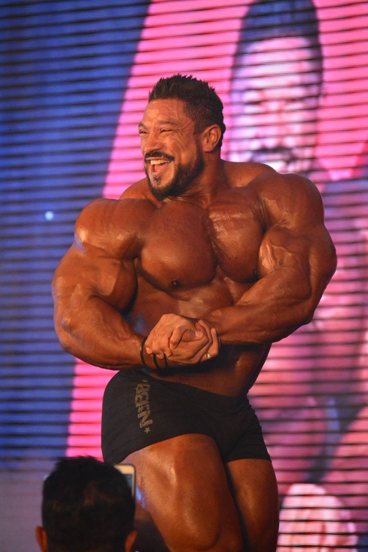 PHOTOS: Roelly Winklaar guest posing at the 2016 Amateur Olympia – Kuwait – Evolution of Bodybuilding