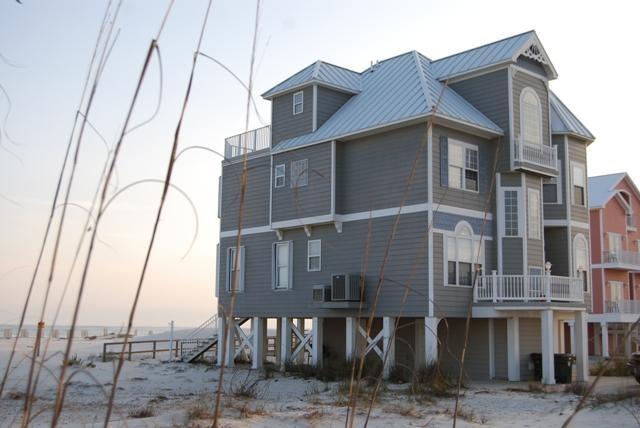 beach house fort morgan  al