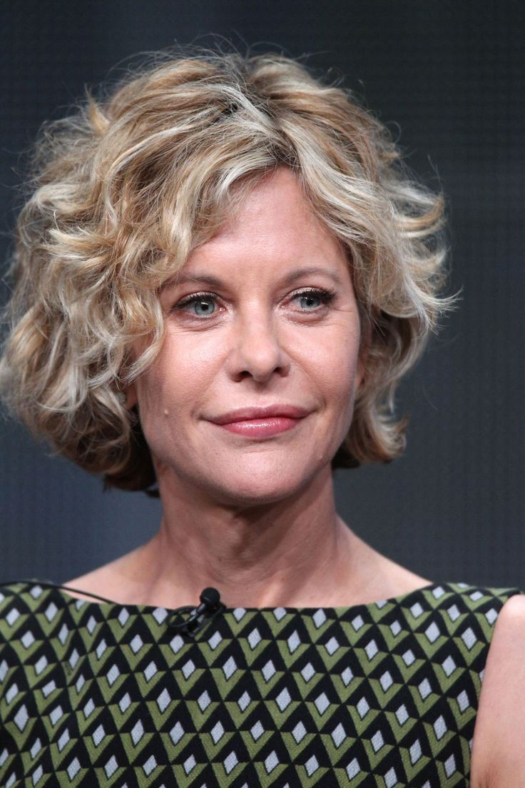Best Cut: Don't let your fine texture create a limp look. Pump up the volume with a layered, short bob like the one Meg Ryan sports. Get the Look: With this style, you want to flaunt your natural texture, and layers are the key to encouraging more waves to come out, says Ong. Keep hair at chin-length or shorter, as longer hair is bigger (and not in a flattering, voluminous way).