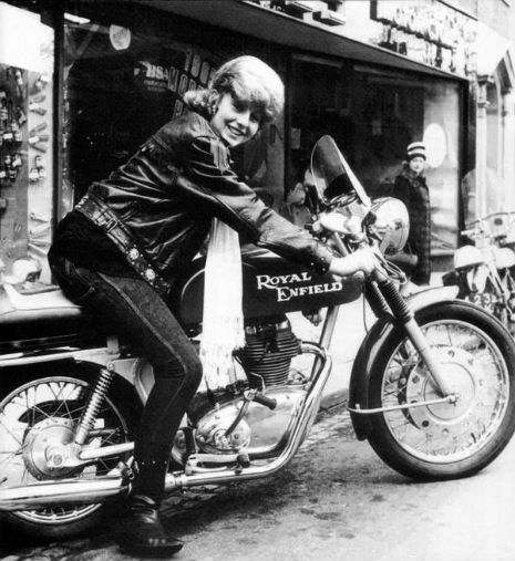 The Girls on their Motorcycles: Vintage photos of kickass women and their rides | Dangerous Minds
