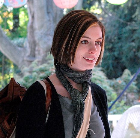 Look Back at Anne Hathaway's First Dramatic Haircut ...