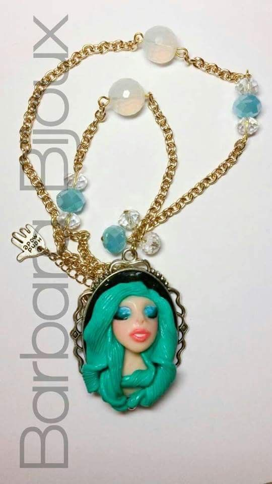 Collana con volto di sirena dai capelli colore verde acqua., by Barbara Bijoux, 11,00 € su misshobby.com