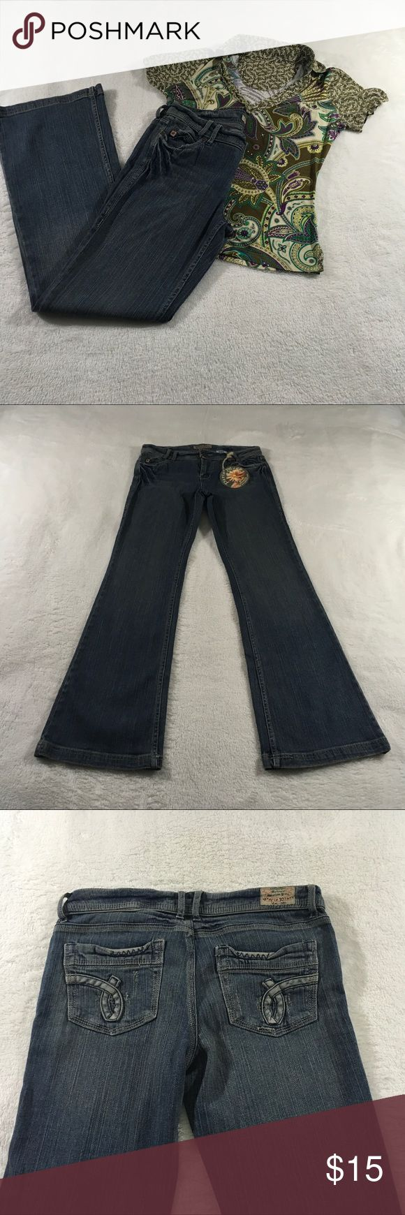 Paris Blues Juniors Size 9 Boot Cut Jeans Flare Jeans Boot Cut Stretch Medium Wash Jeans New with Tags Blouse Not Included Measurements Front Rise- 9.5               Hips-18 Back Rise- 12.                 Inseam- 31 Waist- 30                       Outseam- 39.5 Paris Blues Jeans Flare & Wide Leg