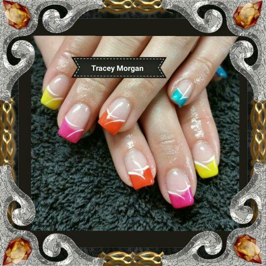 Natural nails with shellac design