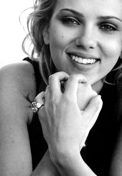 Scarlett Johanson. @Kelsey Myers Hanly she looks like you in this pic but you're even prettier! This pic über reminded me of you!