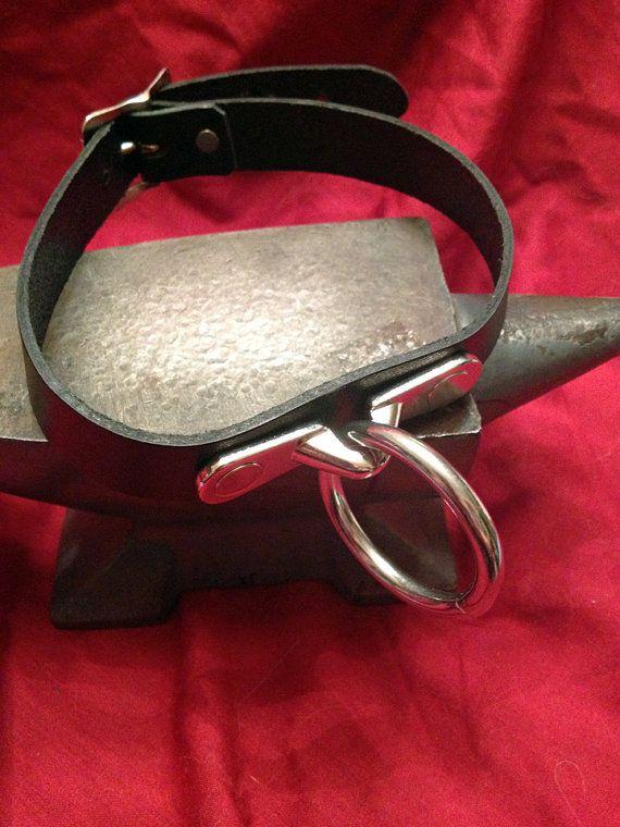 Lederen halsband met Ring van rowansoriginals op Etsy