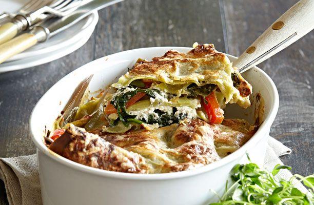 Her er en god vegetarisk opskrift på grøntsagslasagne med ricotta…