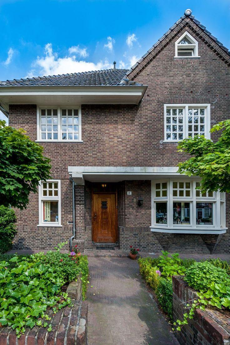 Jaren30woningen.nl   Voortuin van een jaren 30 woning