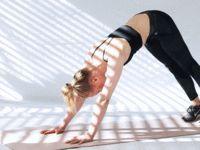 Übung 5: Yoga-Liegestütz