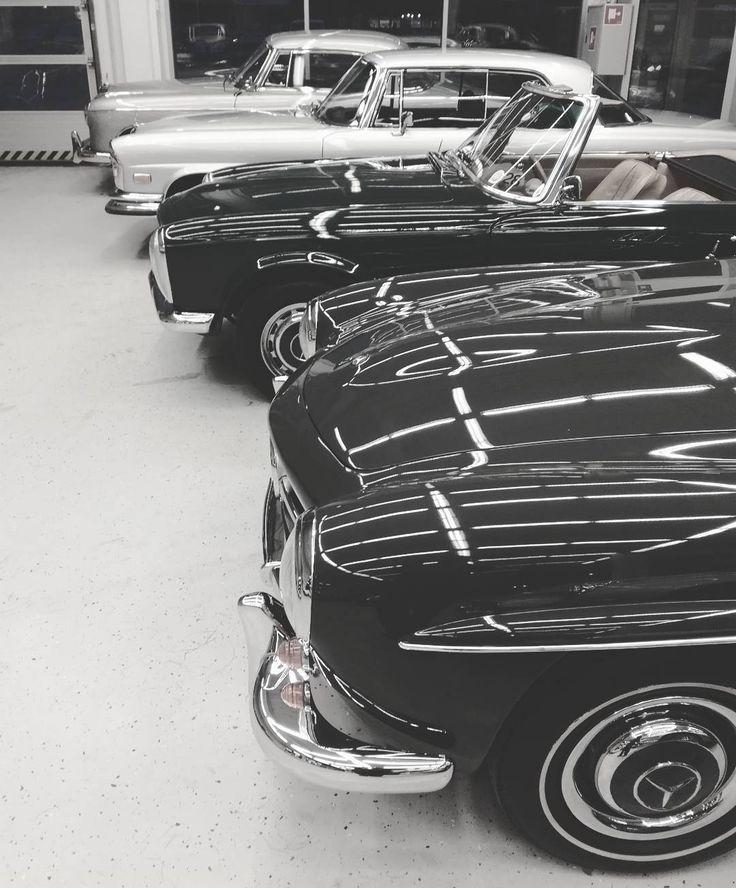 Classic Mercedes Benz line up  #190sl #w121 #230sl #w113 #pagoda #280se #w111 #220se #w128 #ponton. Source: www.trianglemotor.com / #BruceAdams190SL