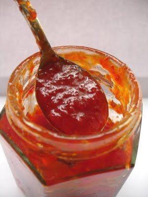 Marmellata di Peperoncini Piccanti: perfetta da preparare con il Bimby, oppure con l'aggiunta di mele..