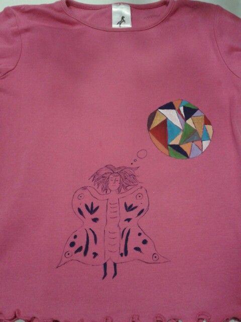 Camiseta pintada para Iris - hand painted tshirt - made by Pececito Arcoiris