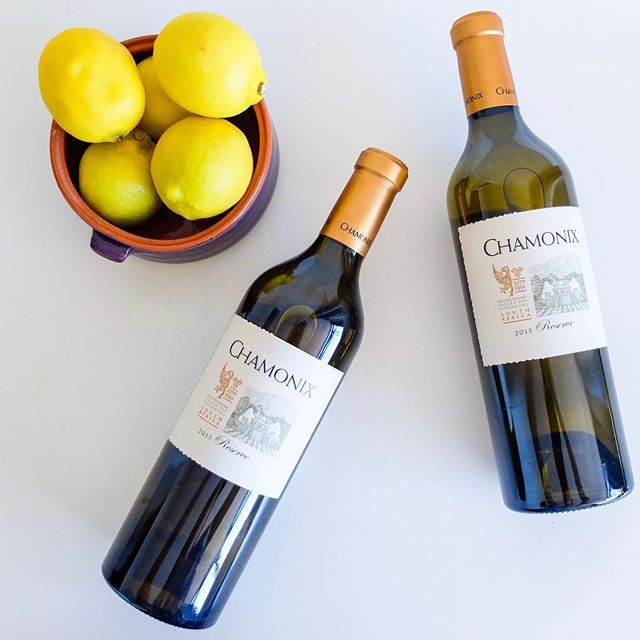 Weve got a really special wine lined up for #friyay - its the @chamonixwinefarm White Reserve a perfectly balanced oaked #whiteblend of #sauvignonblanc and #semillon thats been on the lees for 11 months  .  shows a pale straw colour fresh aromas with scents of exotic spice figs grapefruit and thyme. On the palate it is full and round with rich fruit sensation and minerality balanced by bracing acidity. . . . . . . . #wine #capewinelands #franschhoek #franschhoekmoments #lifestyleblogger…