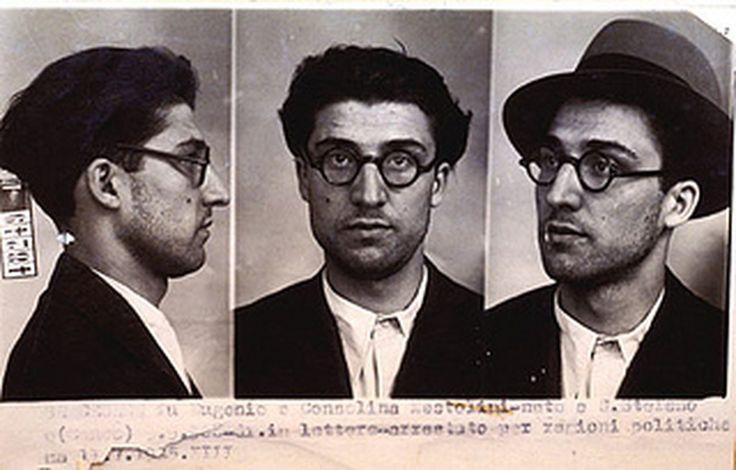 Foto segnaletiche di Cesare Pavese