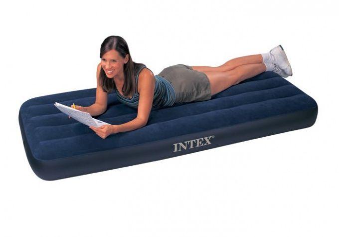 Как заклеить надувной матрас Intex