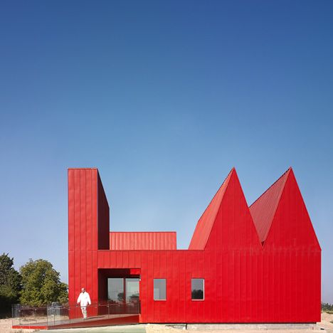 jose javier gallardo red house