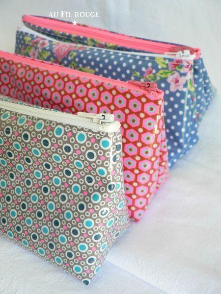 TUTO triangle side zipper pouch bag