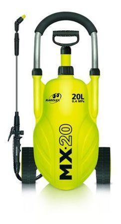 Opryskiwacz MX-20 to innowacyjne urządzenie ciśnieniowe o całkowitej pojemności 20 litrów, służące do prac ochronnych i pielęgnacyjnych środkami ochrony roślin i płynnymi nawozami. Znajduje zastosowanie w ogrodach, na plantacjach, szkółkach, szklarniach jak również w przemyśle gdzie rozpylana jest ciecz pod ciśnieniem. MX – 20 nie wymaga dźwigania (noszenia). Dzięki swojej wyjątkowej konstrukcji daje możliwość poruszania się z cieczą bez najmniejszego wysiłku.