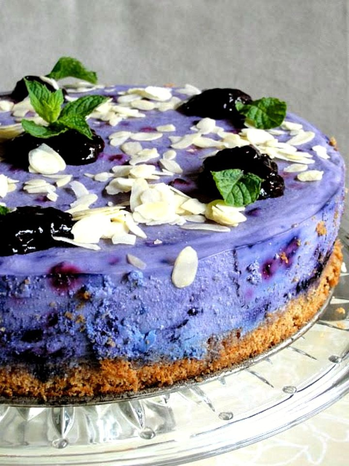 blueberry cheesecake -- i pretty much have to make this if only for the visual appeal