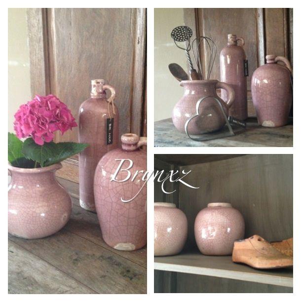 Stoere potten oud roze
